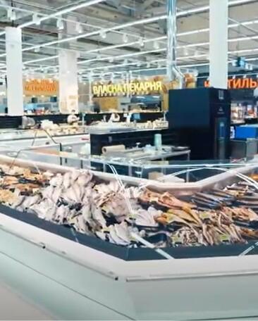 Эффективная реновация Велмарт: четыре масштабных зоны гипермаркета оснащены холодильными витринами Aisberg в эргономических модификациях