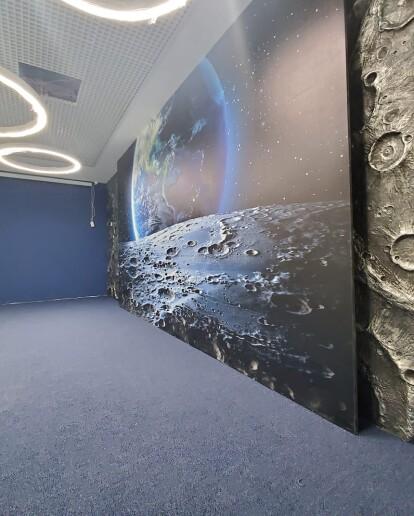 Кімнати для зустрічей в офісі VARUS можуть «відправити» відвідувачів у космос