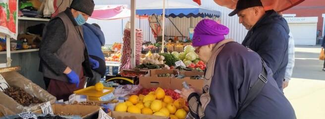 Ринок в селі під Києвом через карантин перейшов в онлайн: продукти вирішили доставляти під замовлення