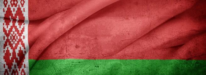 Білоруських рітейлерів змушують продавати товари здержсимволікою під загрозою закриття